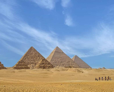 Day tour to Giza pyramids